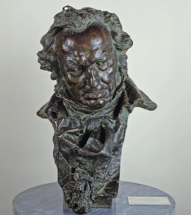 busto a goya Fuente museo del prado