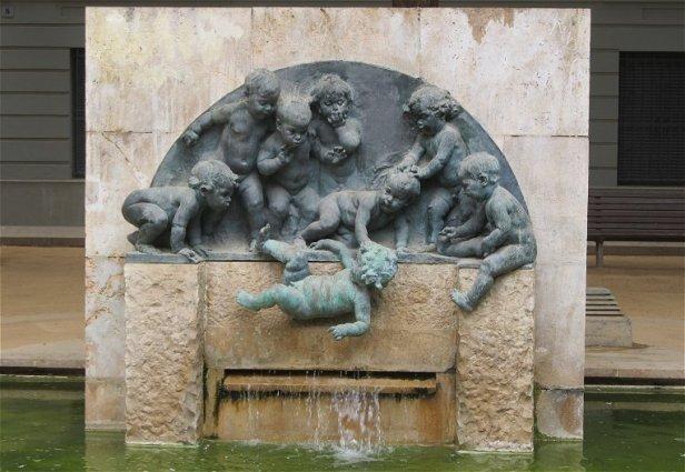 Fuente-Niños-Mariano-Benlliure