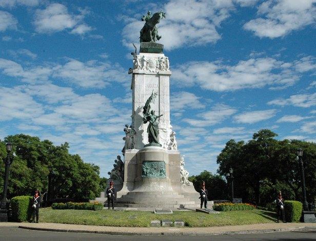 URQUIZA-MONUMENTO